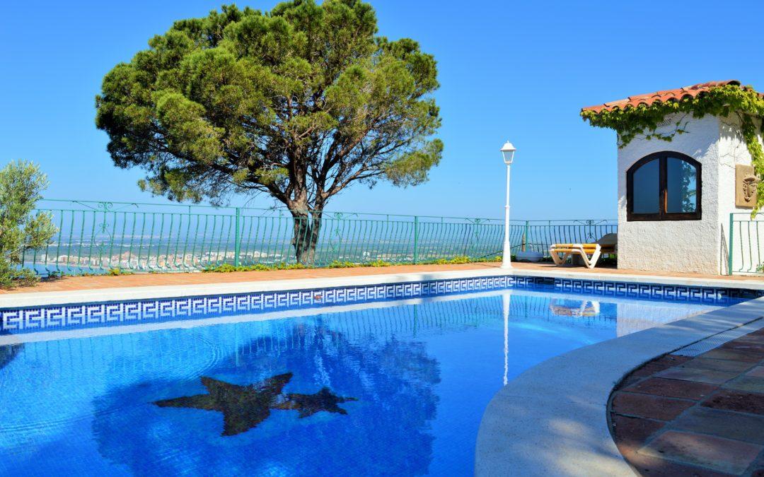 Licencias o permisos necesarios para construir una piscina